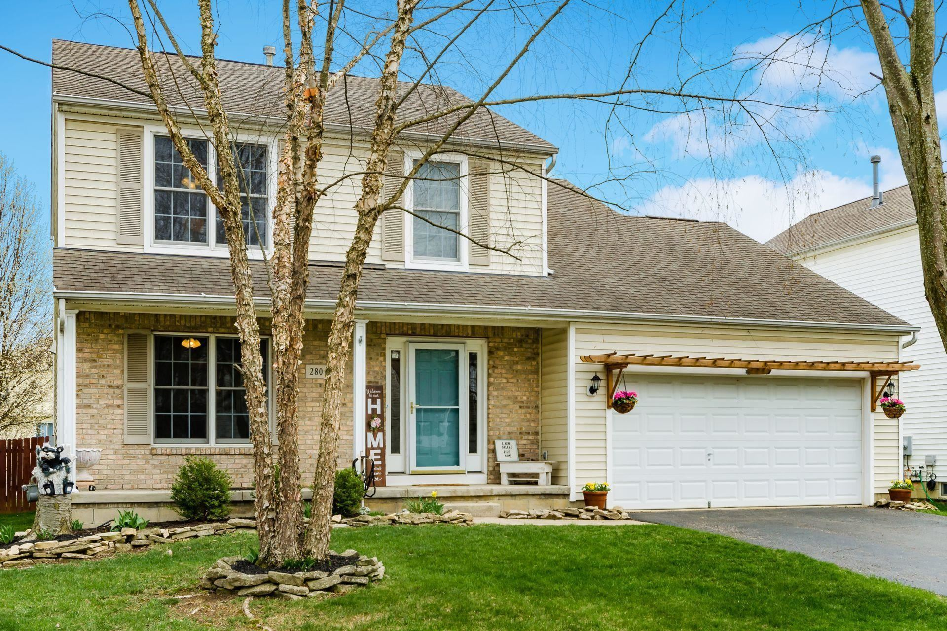 Photo for 280 Iris Trail Dr. Drive, Galloway, OH 43119 (MLS # 221010400)