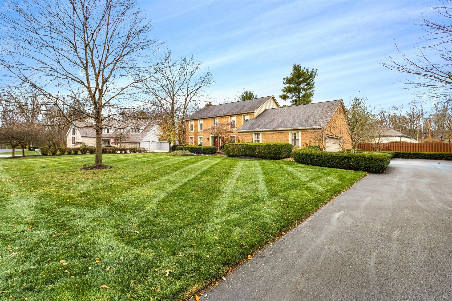 Photo of 6125 Karrer Place, Dublin, OH 43017 (MLS # 220041405)