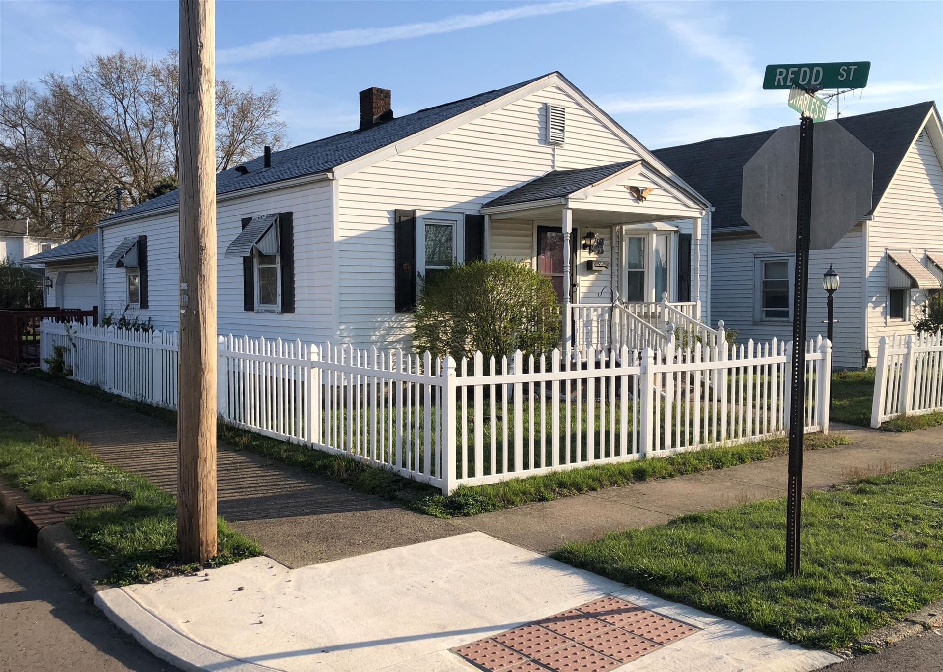 Photo for 423 Charles Street, Chillicothe, OH 45601 (MLS # 221010411)