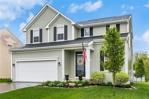 Photo of 2206 Greencrest Way, Lancaster, OH 43130 (MLS # 221014426)