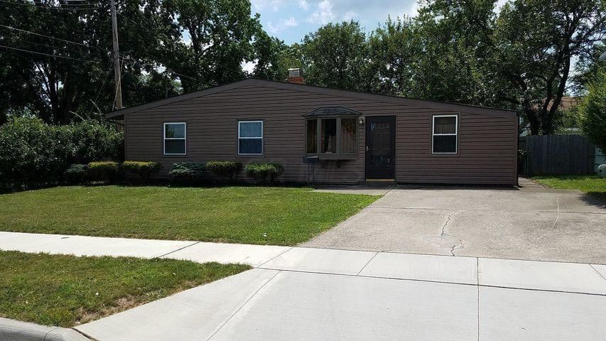 Photo for 3687 Homecomer Drive, Grove City, OH 43123 (MLS # 221010434)