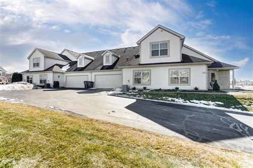 Photo of 102 Maple Leaf Drive, Johnstown, OH 43031 (MLS # 221005450)