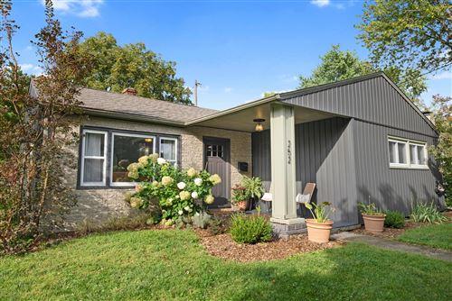 Photo of 252 Pingree Drive, Worthington, OH 43085 (MLS # 221036464)