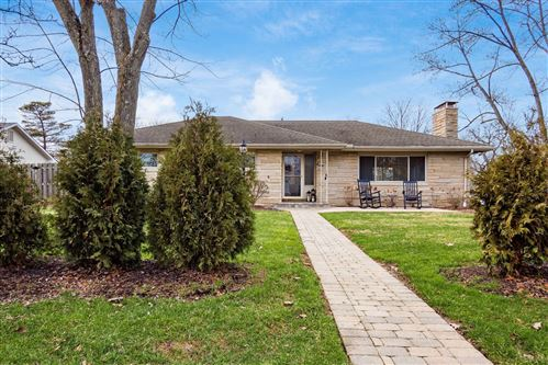 Photo of 3939 Bickley Place, Upper Arlington, OH 43220 (MLS # 221001465)