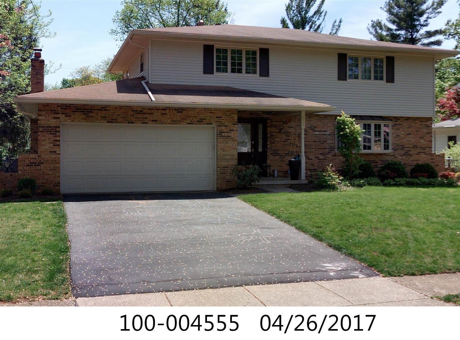 Photo of 537 Poe Avenue, Worthington, OH 43085 (MLS # 221012467)
