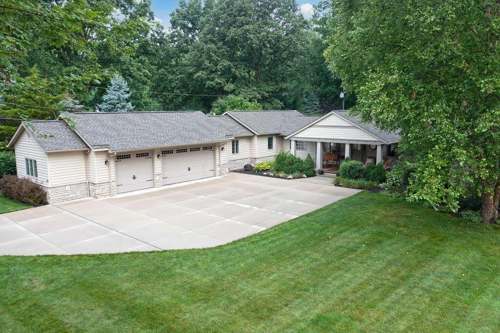 Photo of 258 Highland Avenue, Worthington, OH 43085 (MLS # 221025467)