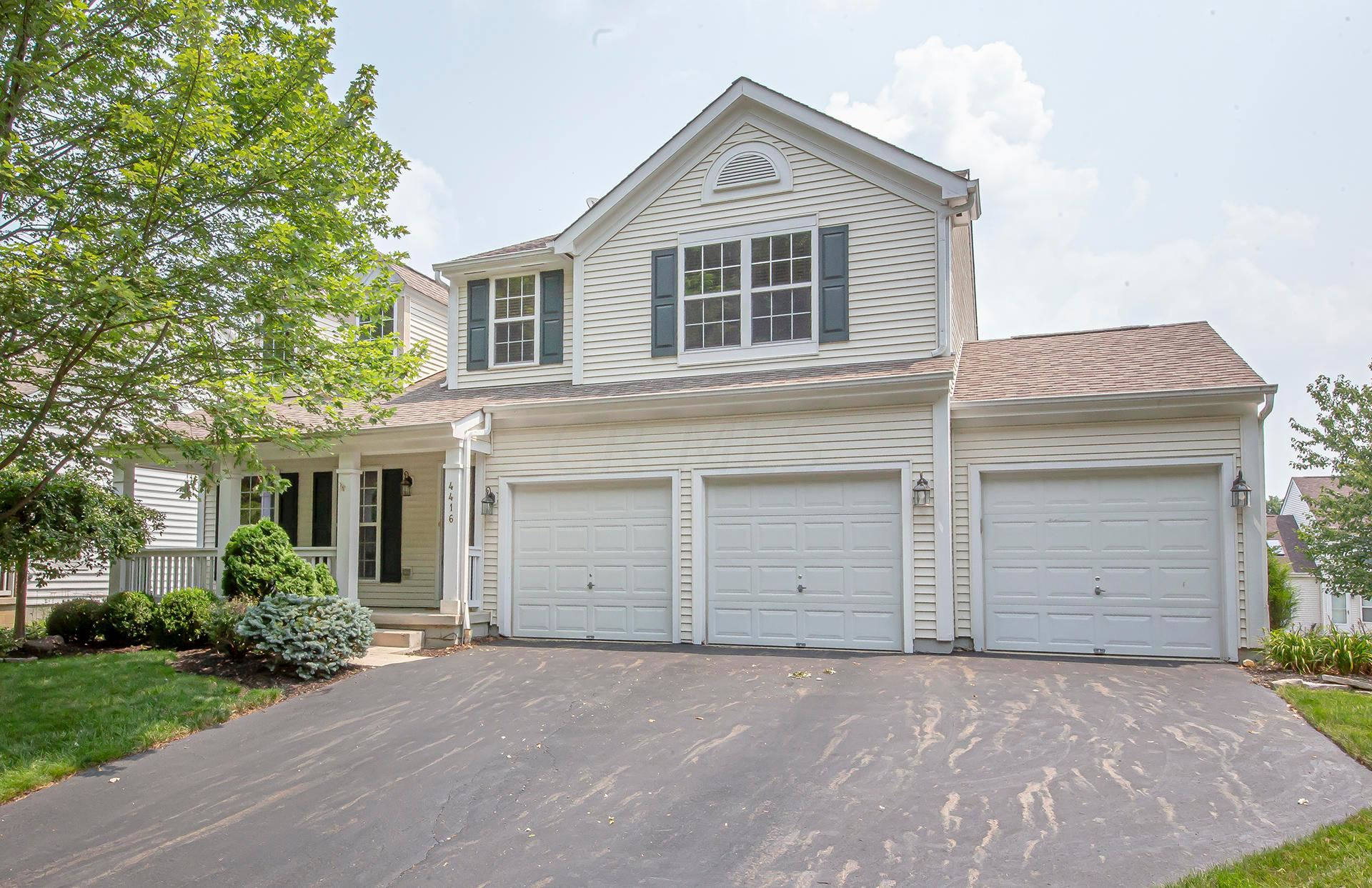 Photo of 4416 Wrens Nest Drive, New Albany, OH 43054 (MLS # 221027467)