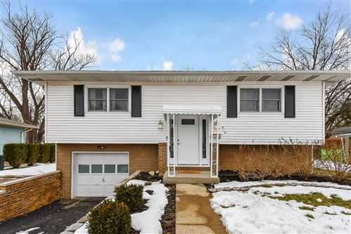 Photo of 416 Baywood Place, Columbus, OH 43230 (MLS # 221005476)