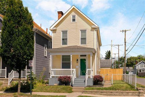 Photo of 652 E Whittier Street, Columbus, OH 43206 (MLS # 221028476)