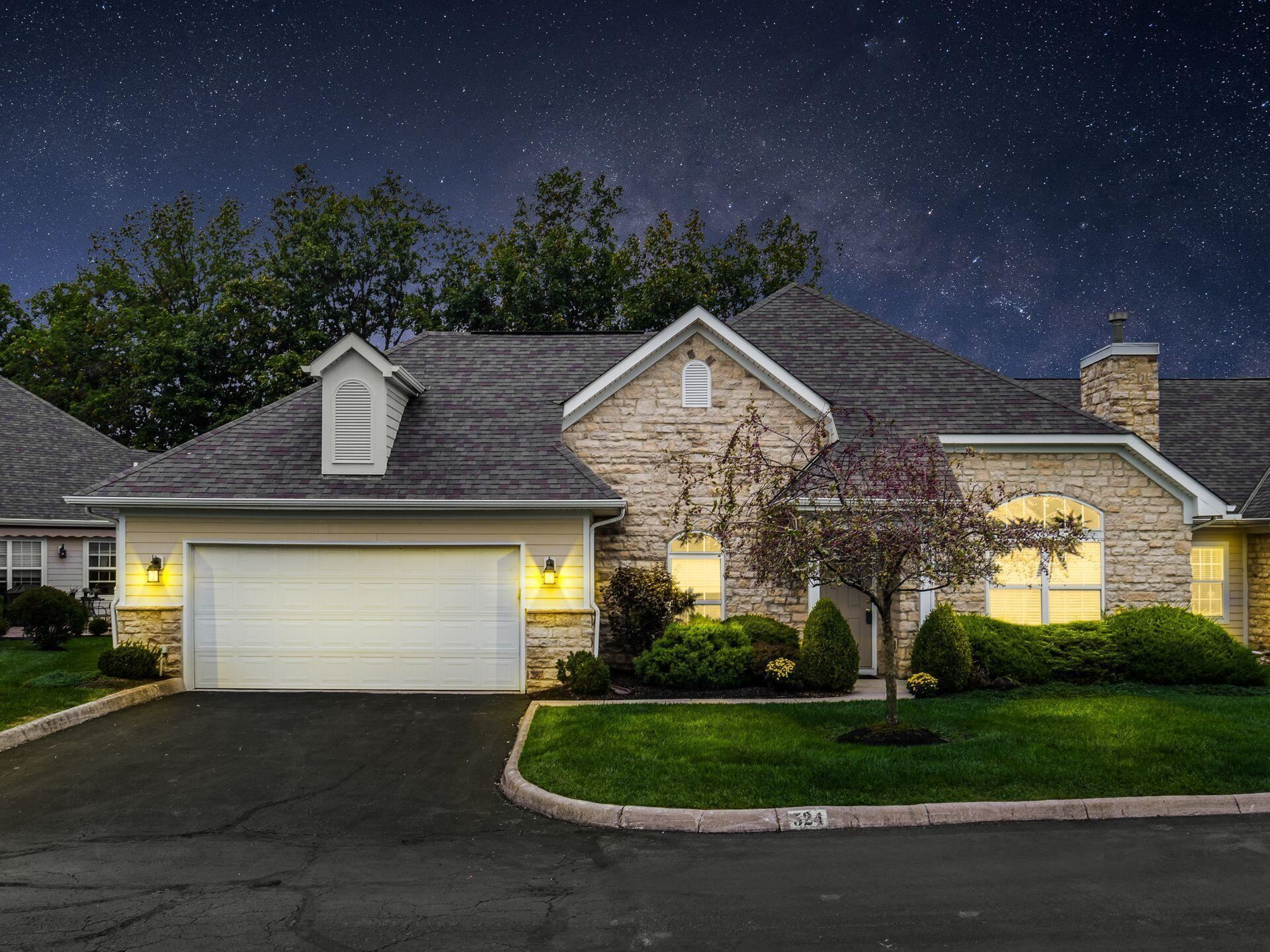 Photo of 524 Commons Drive, Powell, OH 43065 (MLS # 221039476)