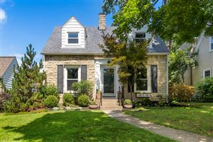 Photo of 202 W Schreyer Place, Columbus, OH 43214 (MLS # 219025481)