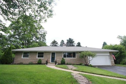 Photo of 164 Grandview Drive, Dublin, OH 43017 (MLS # 220020483)