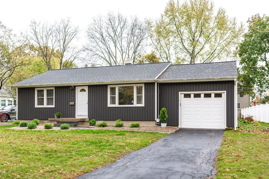 Photo of 325 Catawba Avenue, Westerville, OH 43081 (MLS # 220038491)