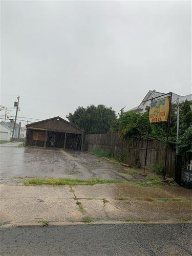Photo of 323 Washington Avenue, Lancaster, OH 43130 (MLS # 221037504)
