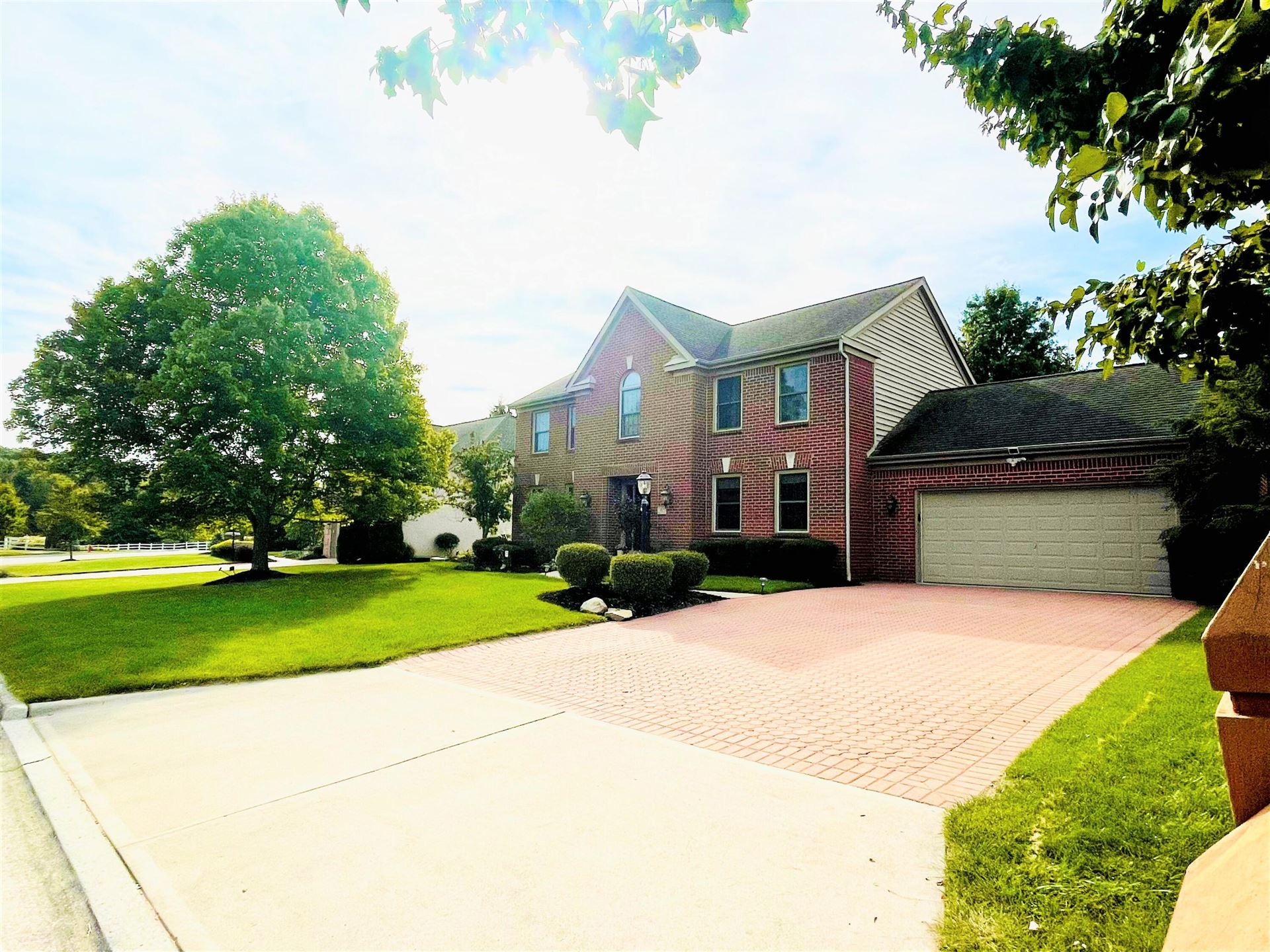 Photo of 311 Shalebrook Drive, Powell, OH 43065 (MLS # 221039524)