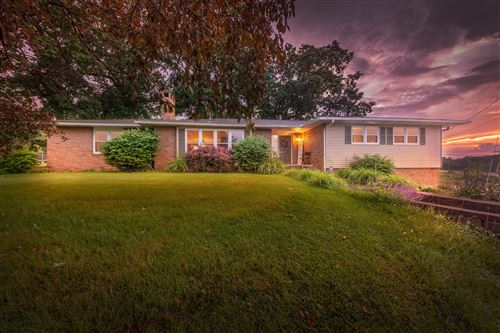 Photo of 718 Wooster Road, Mount Vernon, OH 43050 (MLS # 221021527)