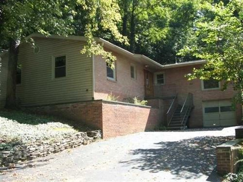 Photo of 105 Mount Parnassus Drive, Granville, OH 43023 (MLS # 220036537)