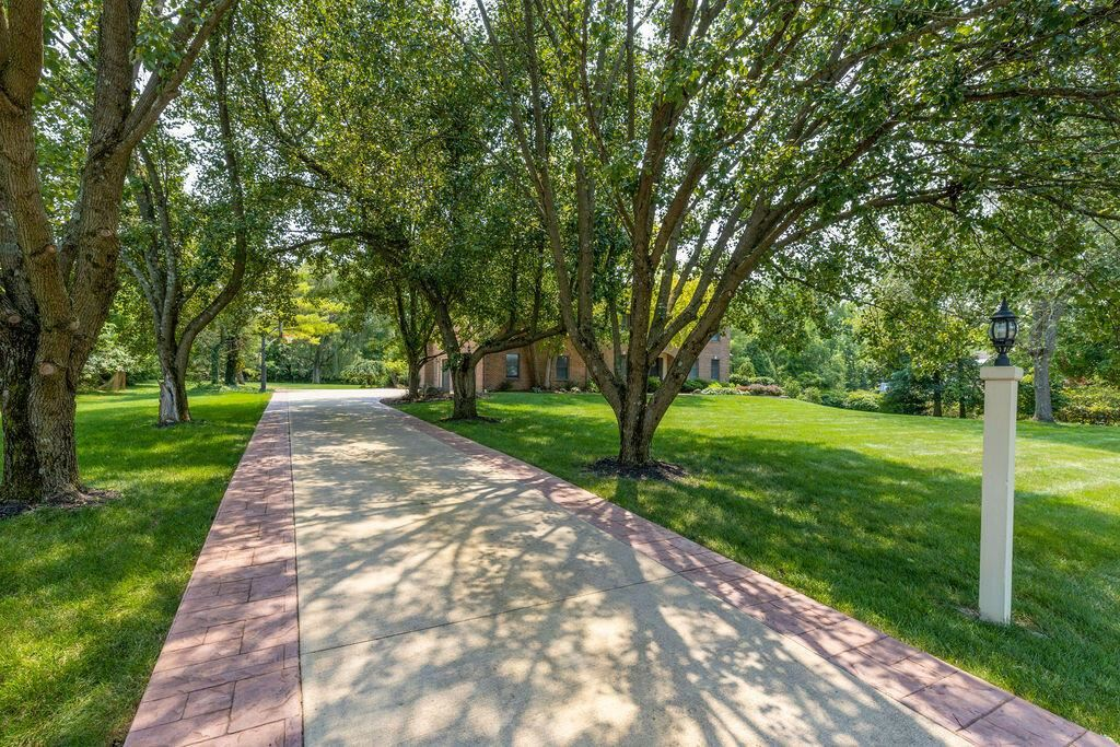Photo of 695 Cardinal Hill Lane, Powell, OH 43065 (MLS # 221028537)