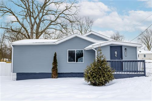 Photo of 6955 London Groveport Road, Grove City, OH 43123 (MLS # 221004538)