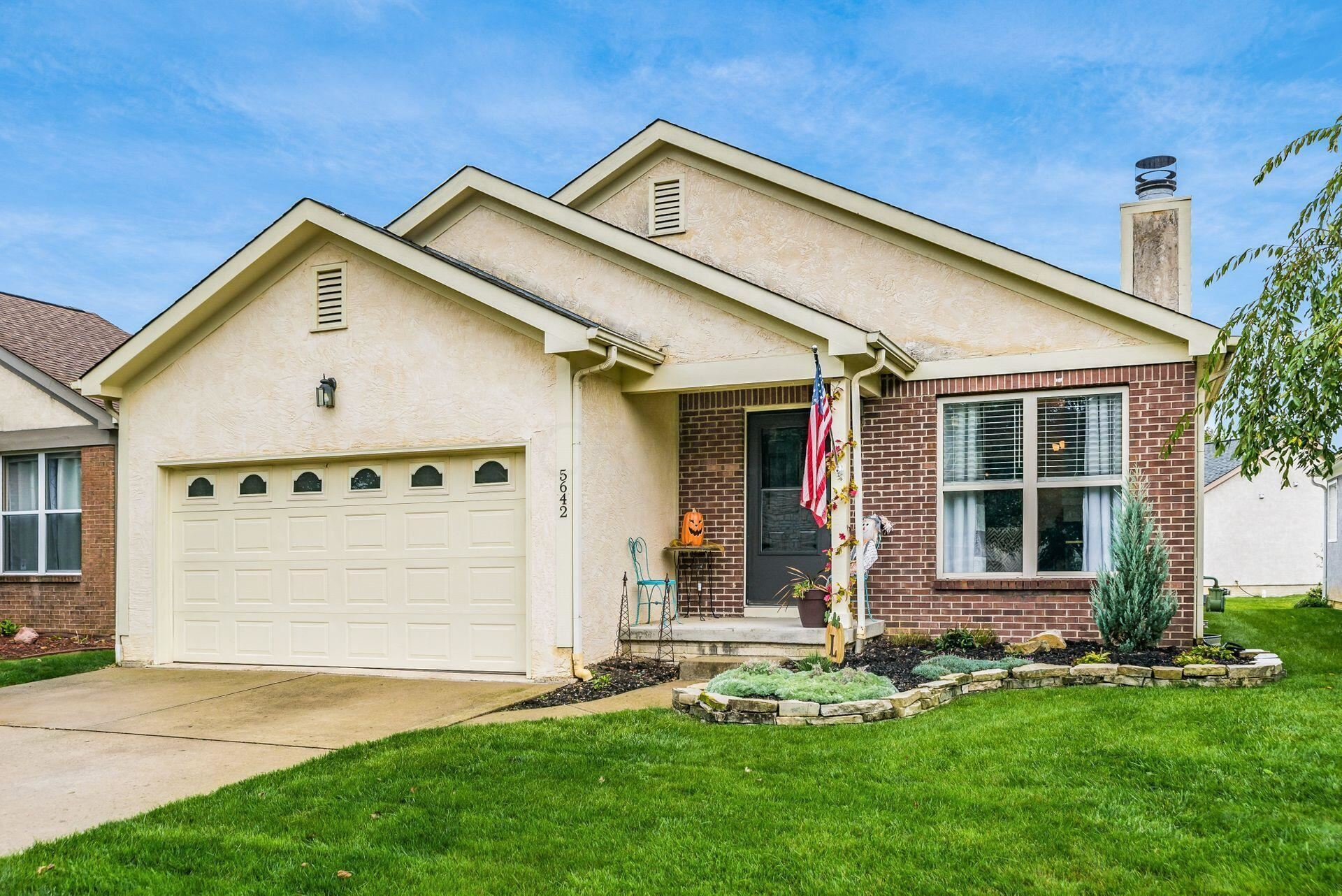 Photo of 5642 Forest Grove Avenue, Westerville, OH 43081 (MLS # 221039538)