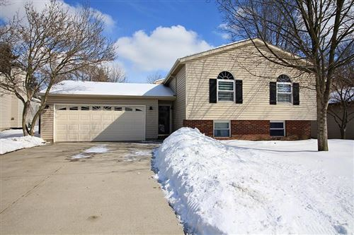 Photo of 8256 Big Horn Court, Powell, OH 43065 (MLS # 221004552)