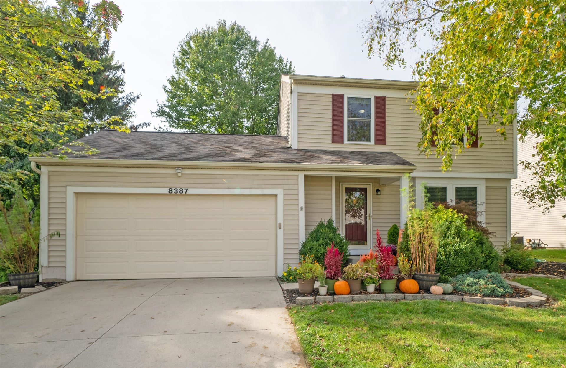 Photo of 8387 Gallop Drive, Powell, OH 43065 (MLS # 221040567)