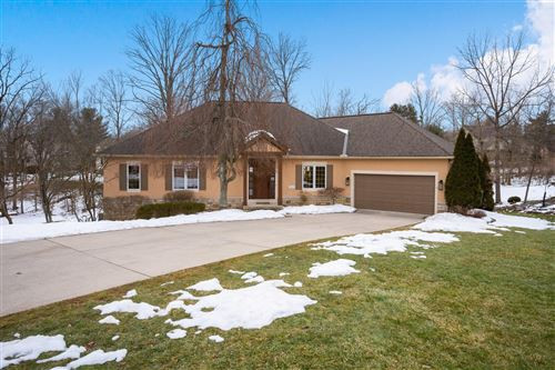 Photo of 3267 Foxcroft Drive, Lewis Center, OH 43035 (MLS # 221005581)