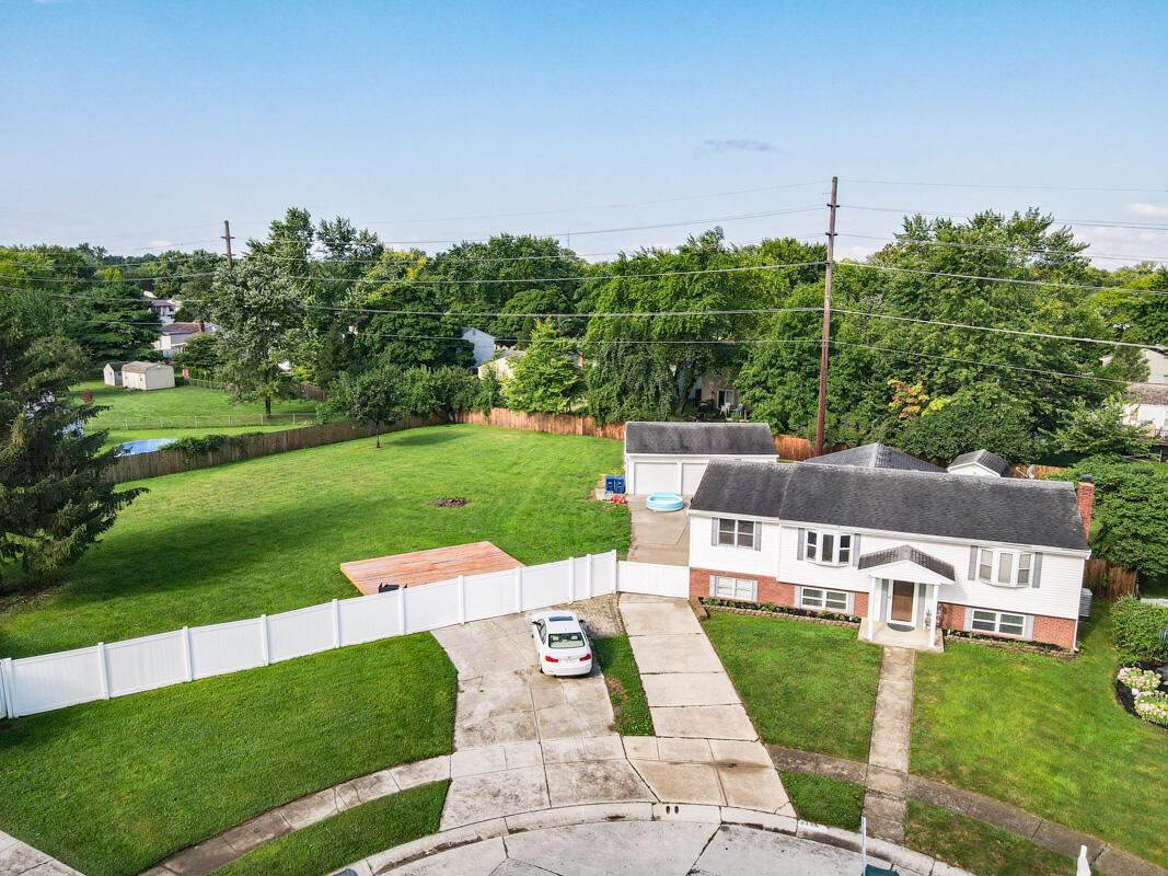 Photo for 2486 Opal Court, Grove City, OH 43123 (MLS # 221029602)