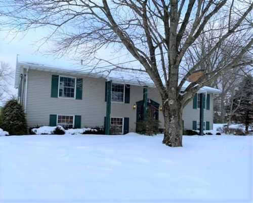 Photo of 963 Everview Drive, Mount Vernon, OH 43050 (MLS # 221004607)