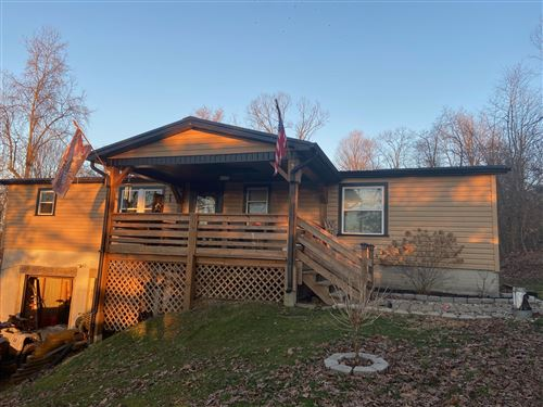 Photo of 185 Valley View Drive SE, Newark, OH 43056 (MLS # 221005625)