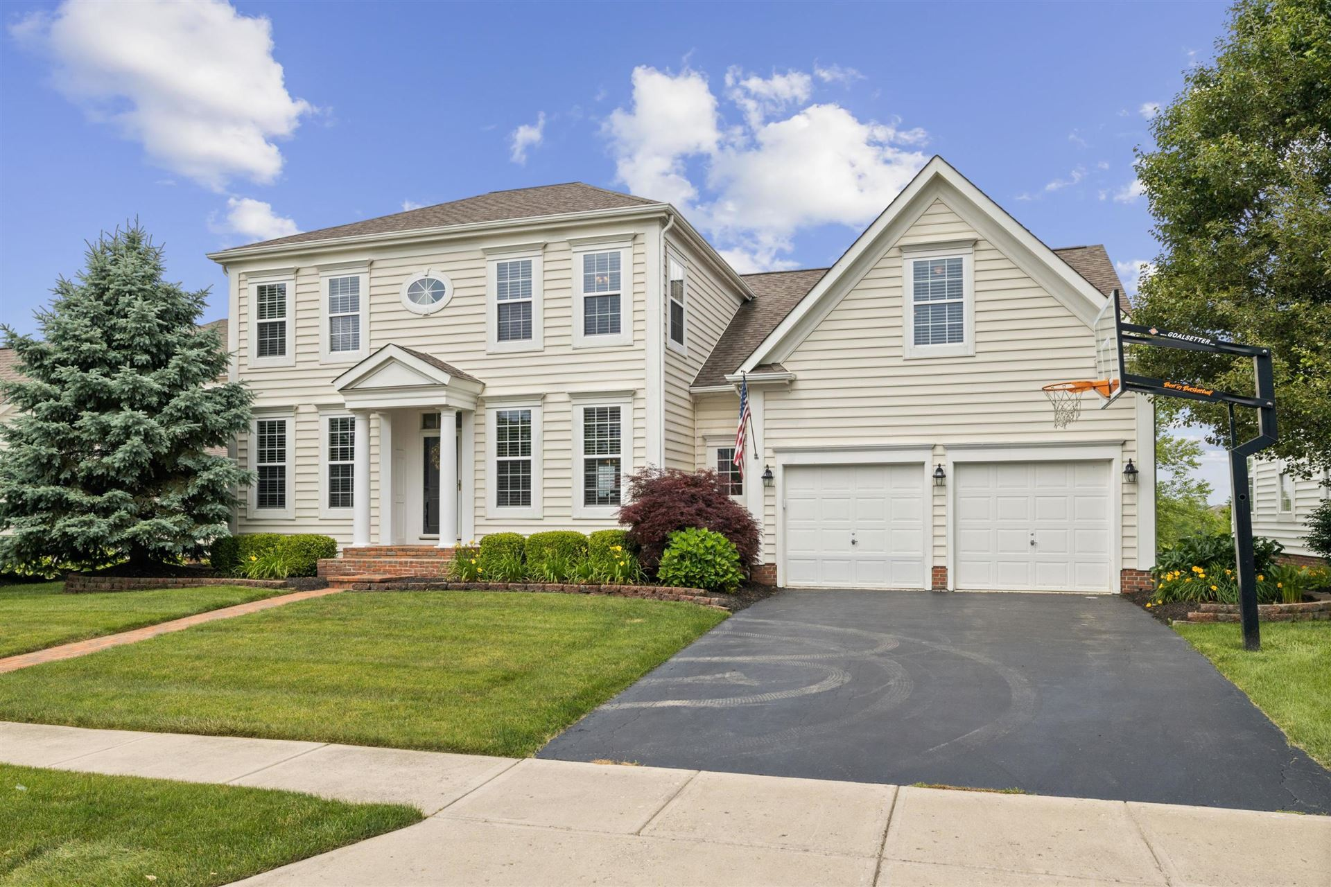 Photo for 6935 Cunningham Drive, New Albany, OH 43054 (MLS # 221020626)