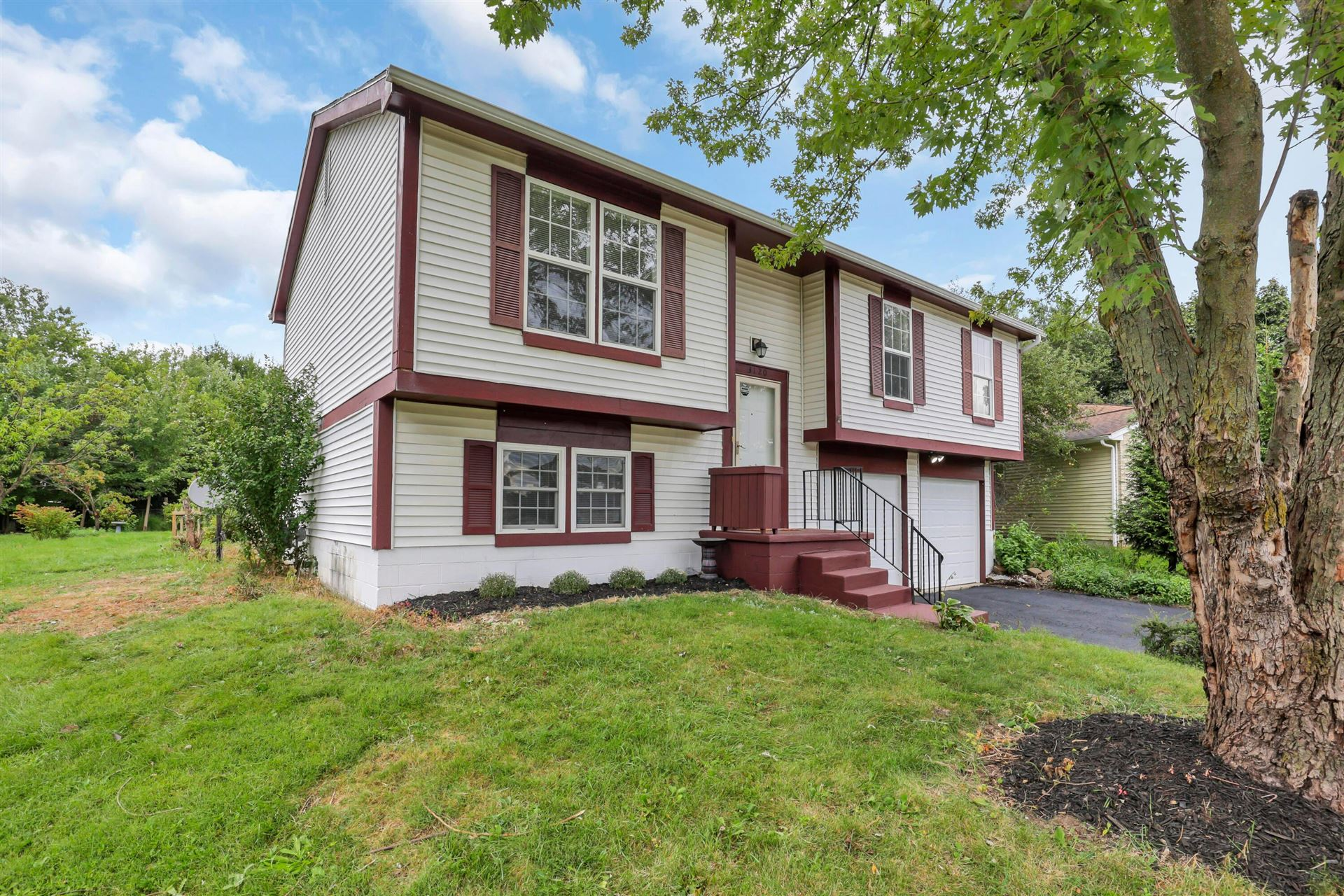 Photo of 3120 Larbrook Court, Dublin, OH 43017 (MLS # 221036640)