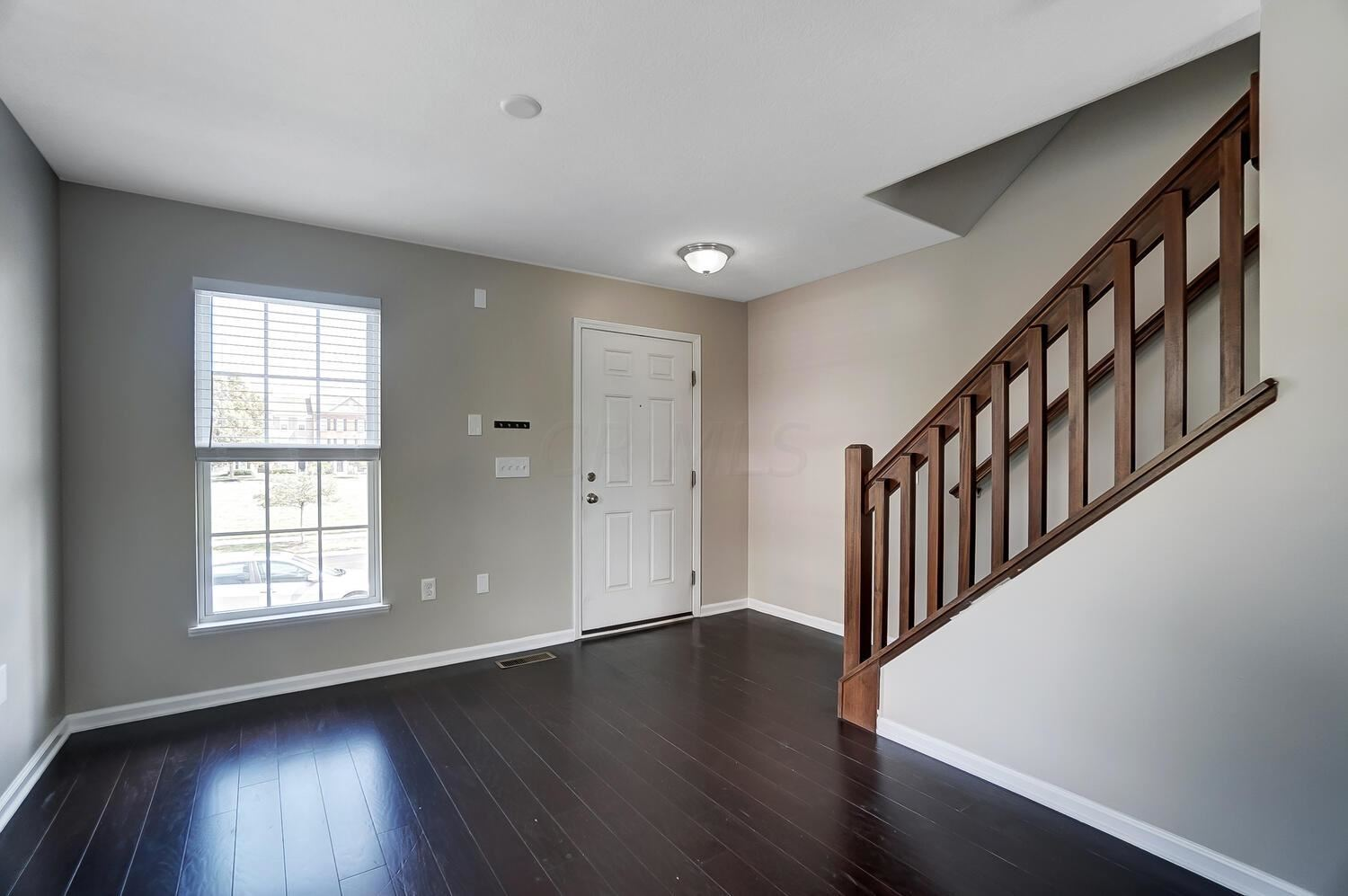 Photo of 5351 Staircase Falls Drive, Dublin, OH 43016 (MLS # 221036643)