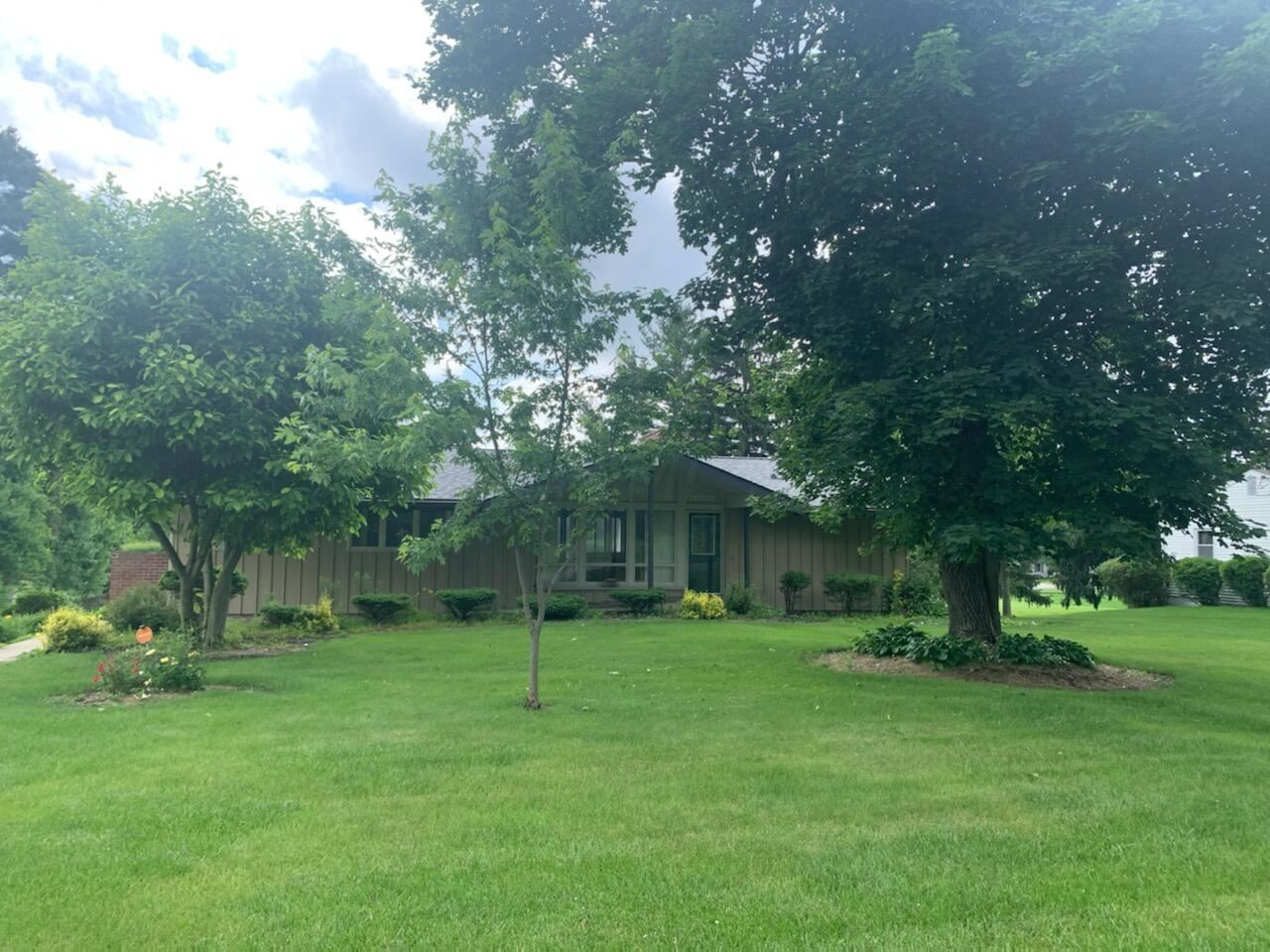 Photo for 792 Uhler Road, Marion, OH 43302 (MLS # 221020645)