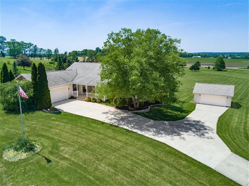 Photo of 40 Louella Drive, Hebron, OH 43025 (MLS # 220017675)