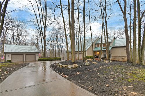Photo of 5966 Edgewood Circle, Dublin, OH 43017 (MLS # 220005693)