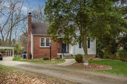 Photo of 4559 Stewart Place, Columbus, OH 43214 (MLS # 220041696)