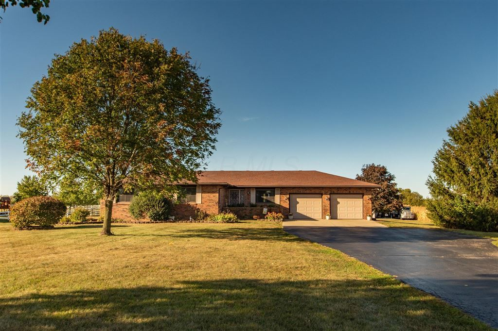 Photo for 1280 Old Springfield Road, London, OH 43140 (MLS # 219037703)