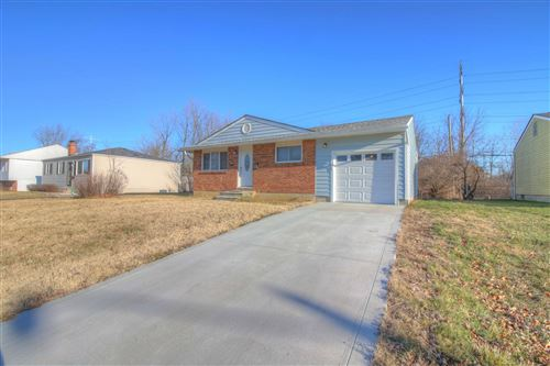 Photo of 4996 Drivemere Road, Hilliard, OH 43026 (MLS # 220000709)