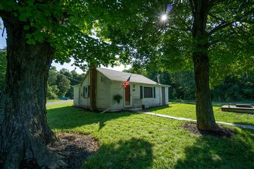 Photo of 6291 Chatham Road, Granville, OH 43023 (MLS # 221038731)