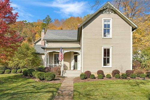 Photo of 560 W Broadway, Granville, OH 43023 (MLS # 220037734)
