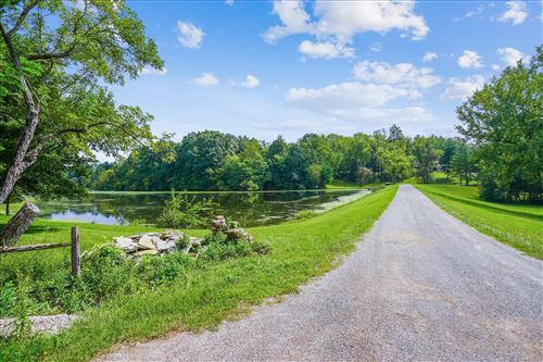 Photo of 2739 Patterson Road SW, Pataskala, OH 43062 (MLS # 221033736)