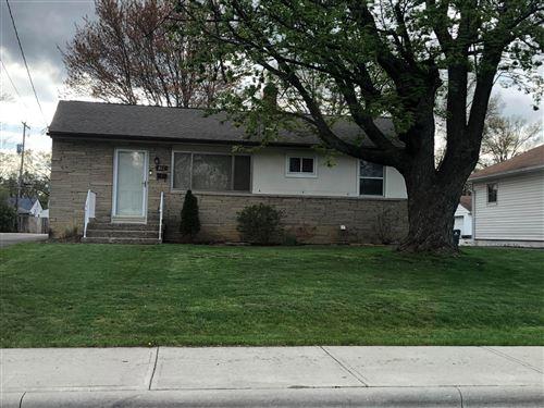 Photo of 817 Rosemore Avenue, Columbus, OH 43213 (MLS # 221011750)