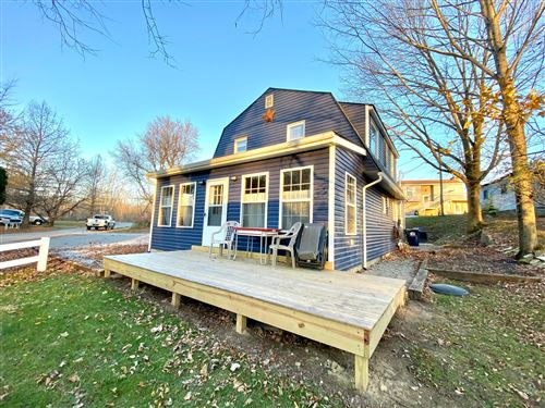Photo of 8 Hilltop Road, Thornville, OH 43076 (MLS # 220040758)