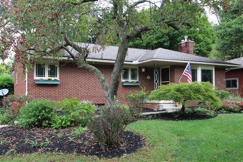 Photo of 2770 Eastcleft Drive, Upper Arlington, OH 43221 (MLS # 221037768)