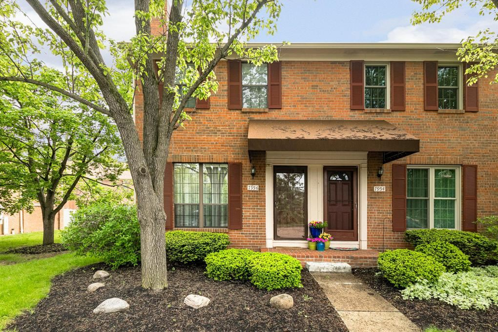 Photo of 7956 Trellage Court #10, Powell, OH 43065 (MLS # 221014768)