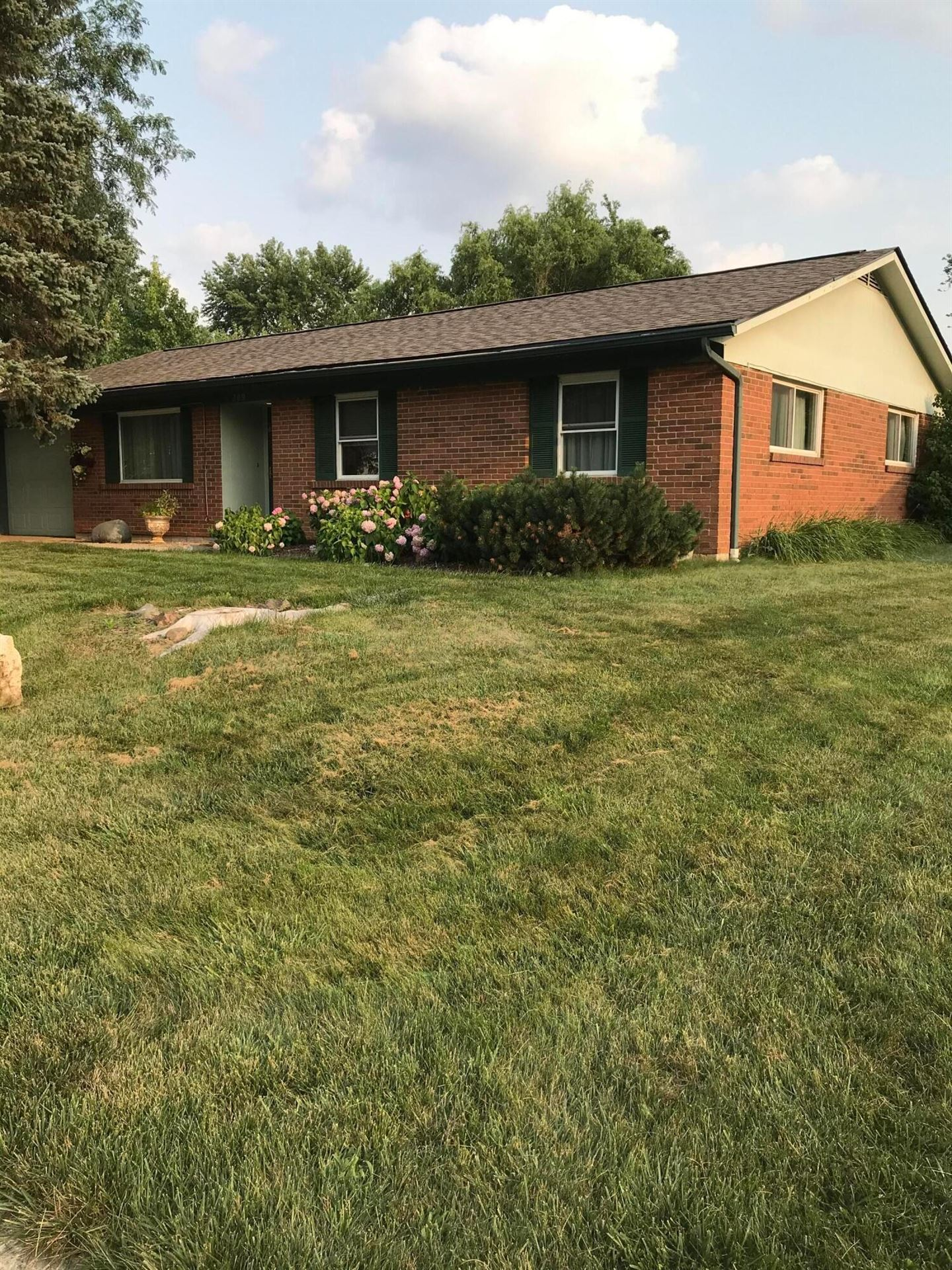 Photo of 209 Bombay Avenue, Westerville, OH 43081 (MLS # 221028768)