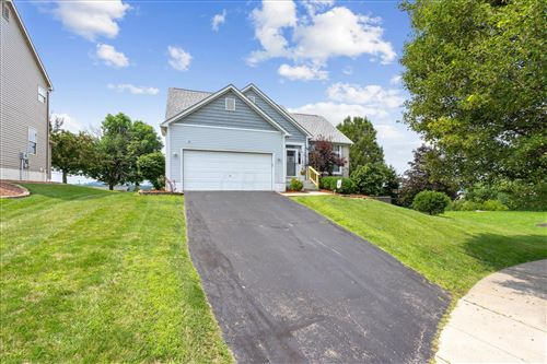 Photo of 2408 Prospect Hill Court, Lancaster, OH 43130 (MLS # 221027769)