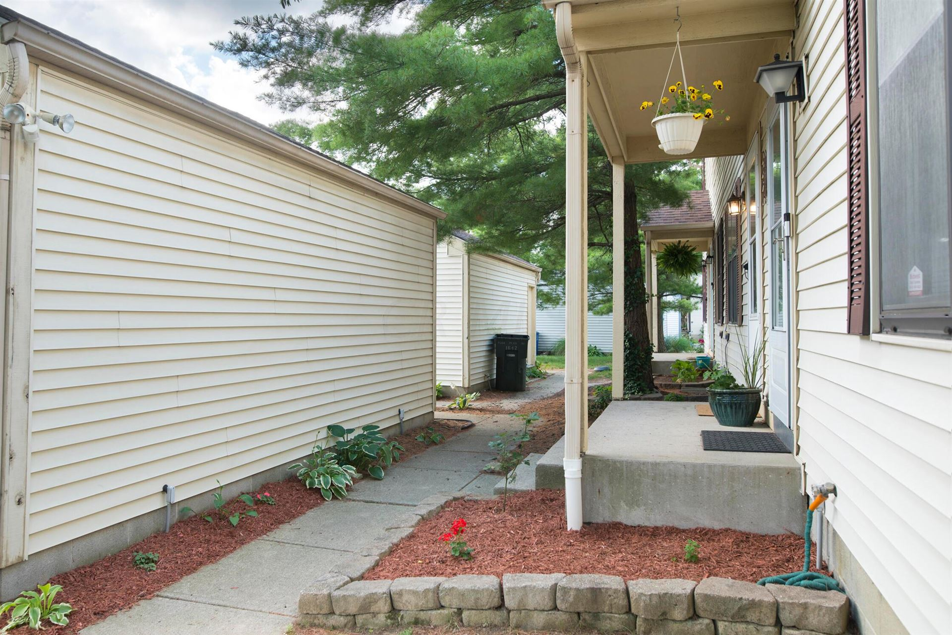 Photo of 1646 Park Pl Drive, Westerville, OH 43081 (MLS # 221020771)