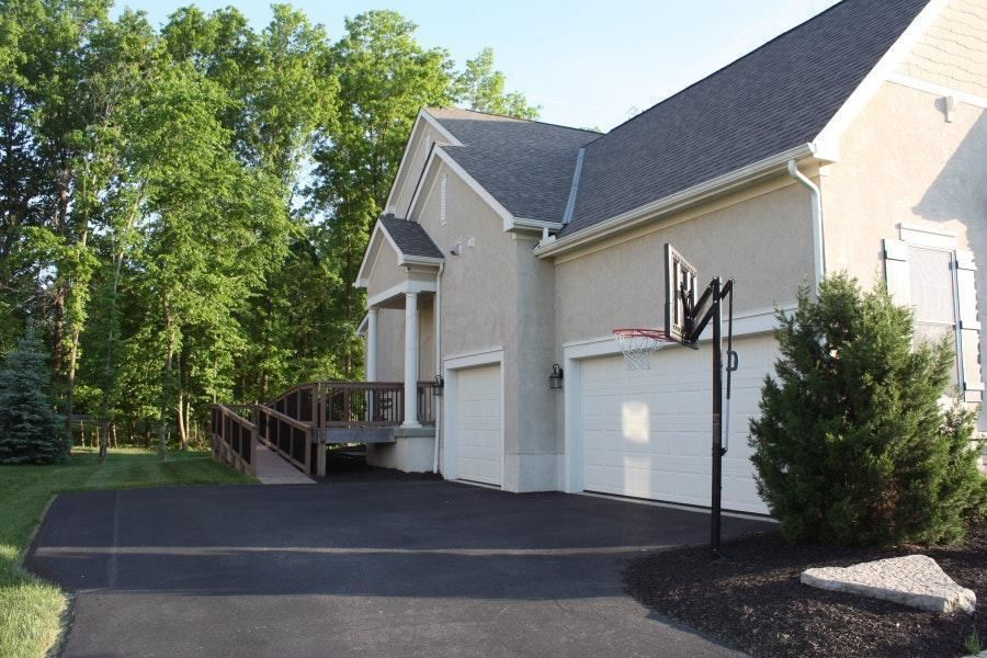 Photo of 6633 Raynor Court, Dublin, OH 43017 (MLS # 220040785)